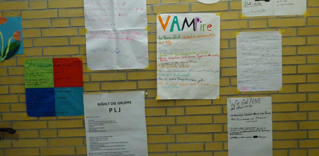 Wahlplakate im Oberhaus